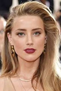 Amber Heard- ZODIAC SIGN | PeopleAndSigns